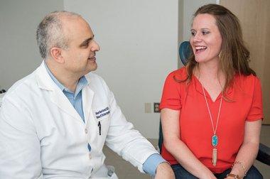 GW Health News - Cómo un implante coclear me ayudó a escuchar nuevamente